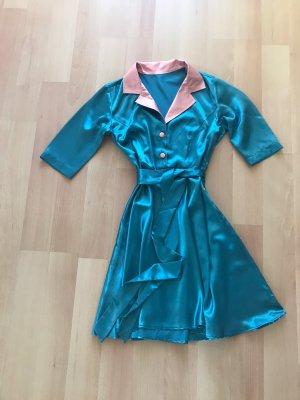 Kleid im 50er Jahre-Style