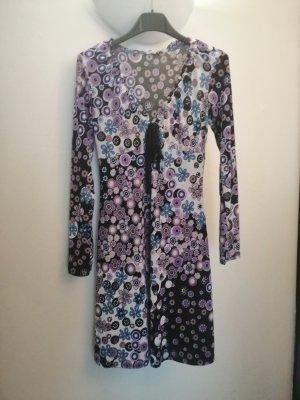 Kleid im 70iger Stil Gr. 36