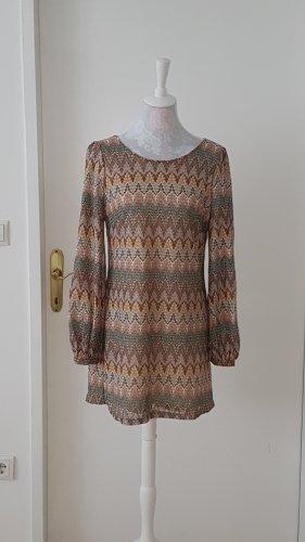 Kleid im Missonistil