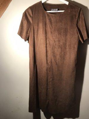 Kleid in braun (Kunstleder)