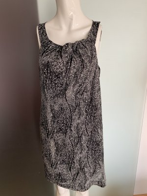 Kleid in Chiffon Optik schwarz-weiß gemustert Gr 38 40 M