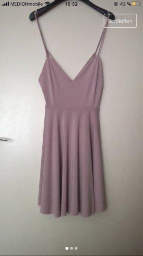 Kleid in Flieder/lila Urban outfitters