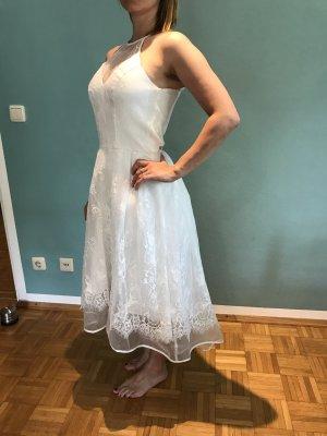 Kleid in Gr.36/S von Chi  Chi London in weiß / spitze , neu!