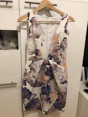 Kleid in Gr.36/S von Finders Keepers in weis / blau /altrosa.