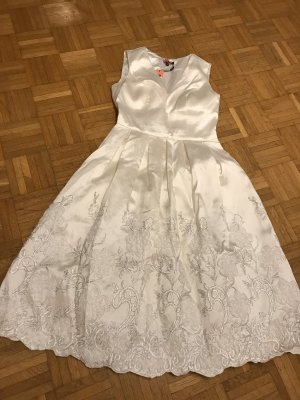 Chi Chi London Sukienka koktajlowa kremowy-w kolorze białej wełny