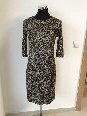 Kleid in Leomuster