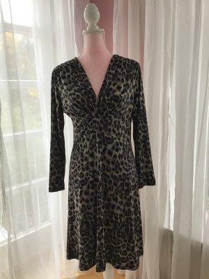 Kleid in Leoprint