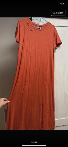 Kleid in Rot mit Spruch + Schlitz seitlich in Größe XS