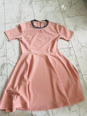Kleid in s neu