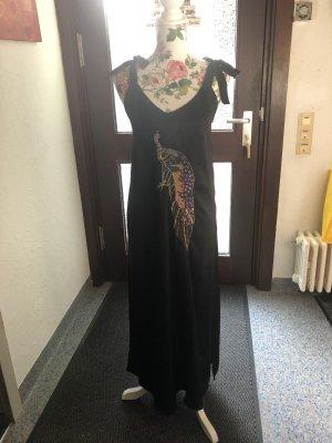 Kleid in Satin Optik mit Stickerei von Mango