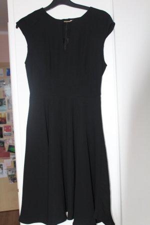 Kleid in schwarz von Anna Field