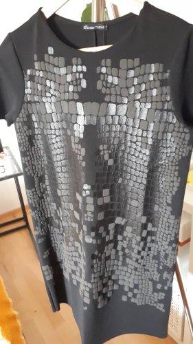 Kleid in Schwarz von ZARA G. S
