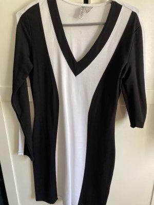 Kleid in schwarz weiß