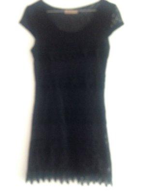 Kleid in schwarzer Spitze, selten getragen!