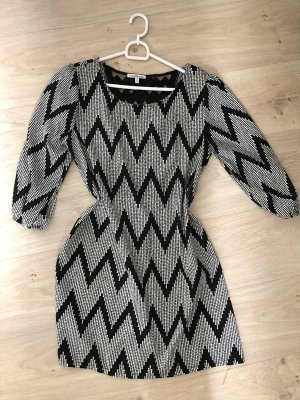 Kleid in Seidenoptik