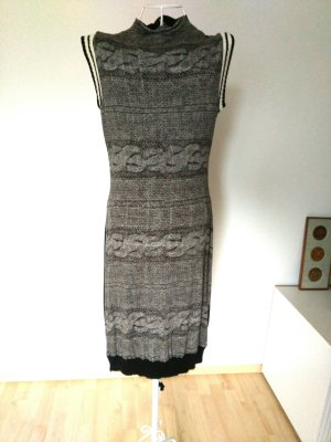 Kleid in Strickoptik