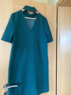 Kleid in Strickoptik grün Gr. 40
