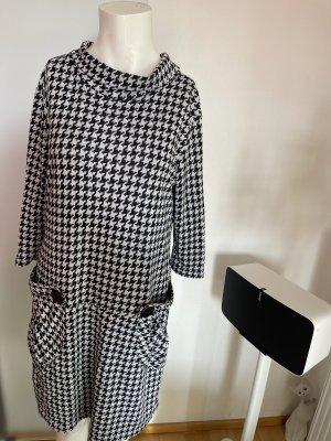 Kleid in Sweatshirt Optik  Gr 42 XL schwarz-weiß