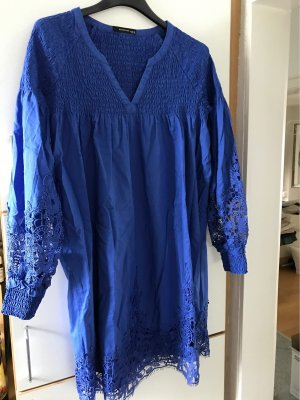 Kleid in Traumblau