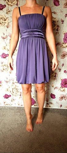 Kleid in violett