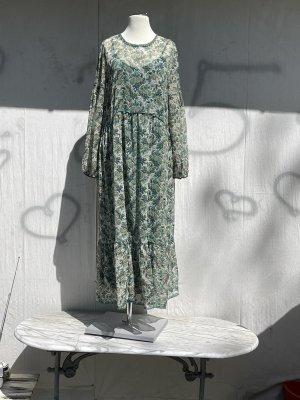 Kleid in wunderschönen Farben