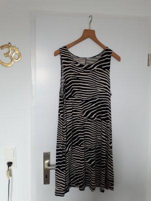 Kleid in Zebraoptik