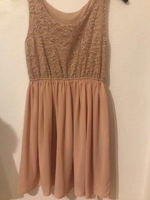 Kleid kaum getragen