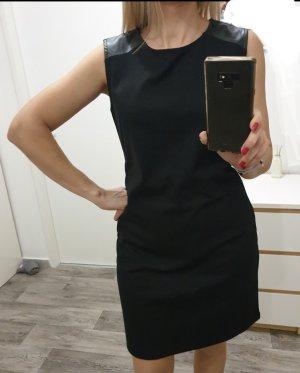 Kleid kleines Schwarzes