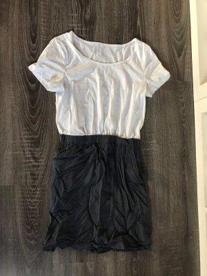 Kleid kurz Sommer Taschen Zweiteiler grau blau weiß vero moda tailliert
