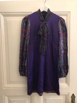 Kleid Lila mit Seide und Schleife von Custo