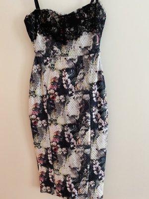 Kleid Lipsy