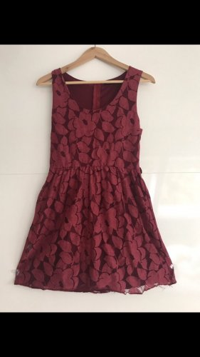 QED London Lace Dress red