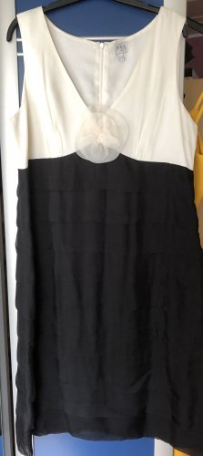 1.2.3 Paris Suknia wieczorowa czarny-w kolorze białej wełny Jedwab