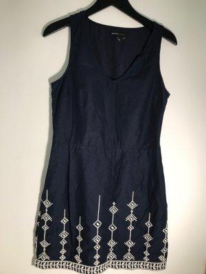 Mango Sukienka o kroju litery A ciemnoniebieski-w kolorze białej wełny