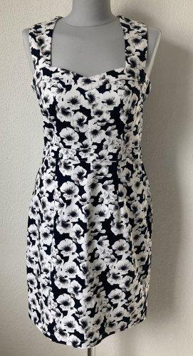 Kleid mint & Berry Gr. 38 blau weiß Blumen neuwertig