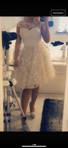 Kleid mit 3d Blumen