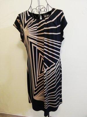 Kleid mit Abstrakten Muster