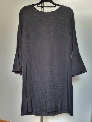 Kleid mit Ärmeln