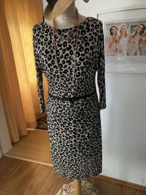 Kleid mit Animalprint, Größe 36