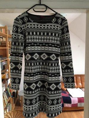Kleid mit Aztekenmuster von Tom Tailor M