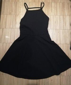 Kleid mit besonderem Rückenausschnitt