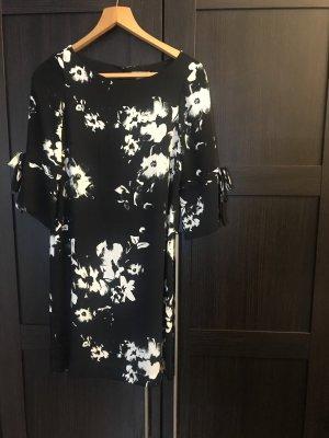 Kleid mit Bindedetail