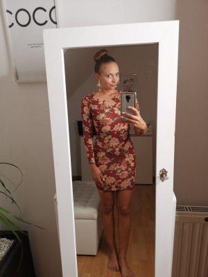 Kleid mit Blümchen Muster