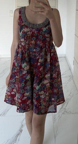 Kleid mit Blume