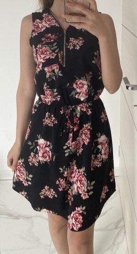 Kleid mit Blumen Sommerkleid