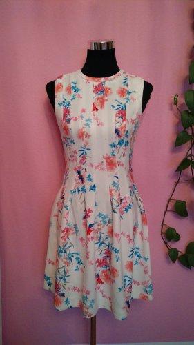 Kleid mit Blumenmuster (Box 2)