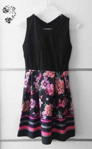 Kleid mit Blumenmuster Gr. S
