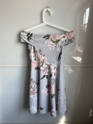 Kleid mit Blumenmuster von New Look