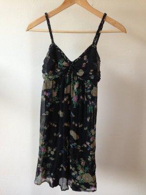 Kleid mit Blumenmuster von urban outfitters