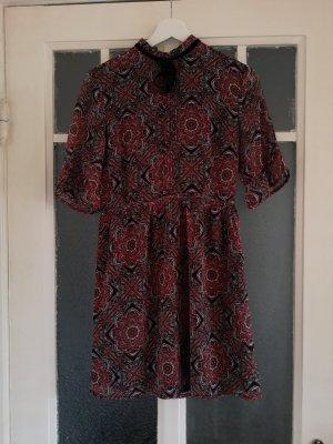 Kleid mit Bohomuster